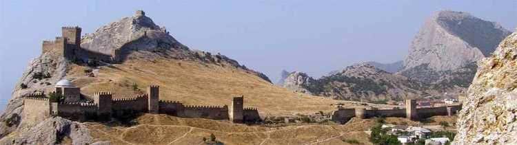 La forteresse génoise de Sudak en mer Noire