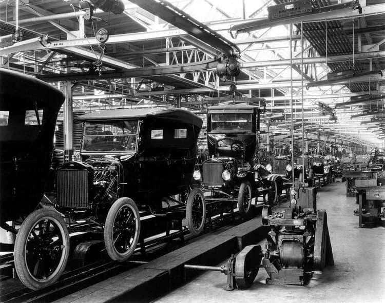 La chaîne de montage de la Ford T