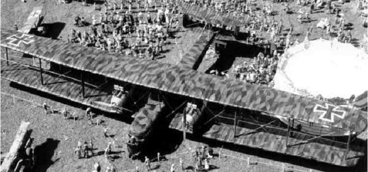 Le bombardier Zeppelin Staaken R.VI