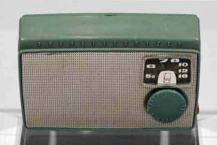 Le premier radio transistor «Made in Japan» Sony TR-55